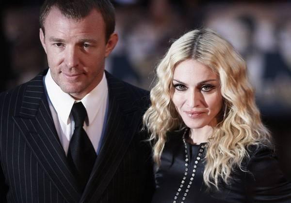 Сын Мадонны иГая Ричи останется жить сотцом