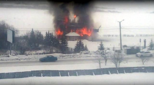 ВЧелябинской области зажегся 20-метровый корабль-ресторан «Юнона»