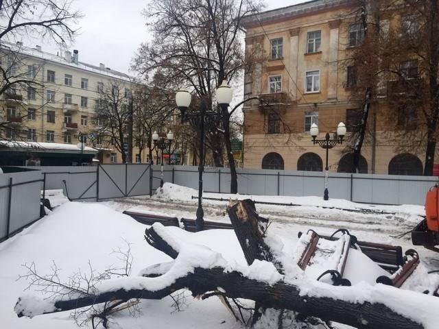 Воронежского губернатора возмутило строительство кафе всквере увокзала