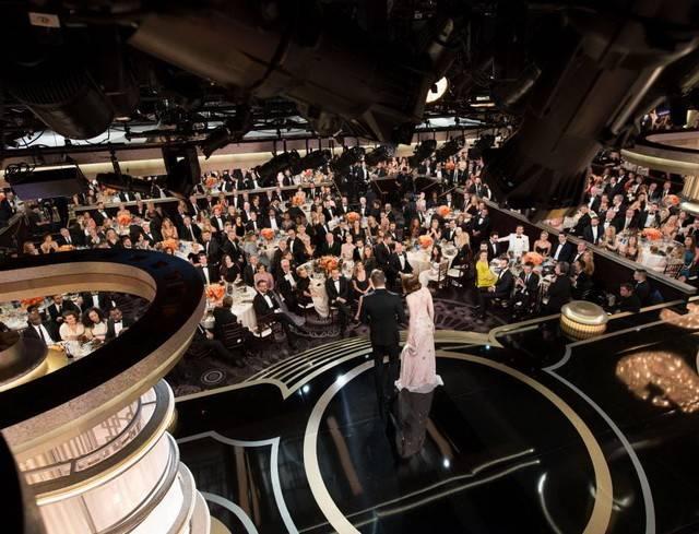ВЛос-Анджелесе проходит 74-я церемония вручения кинопремии «Золотой глобус»