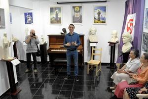 http://culturavrn.ru/В культурном центре «МироТворчество» открылась выставка скульптур Алексея Леонова «Светочи человечества»
