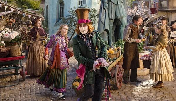 Выиграй билеты на премьеру «Алисы в Зазеркалье»