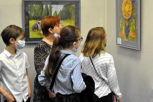 В Воронеже открылась заключительная выставка фестиваля-конкурса детского художественного творчества «Мир глазами детей»